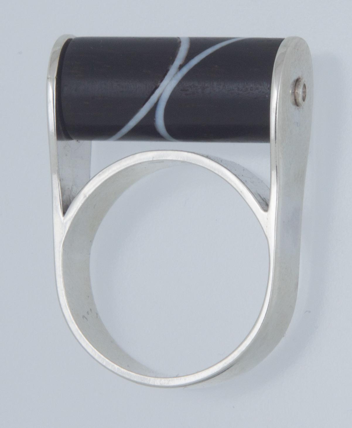 Zilver met draaiende cilinder van ebbenhout en ivoor