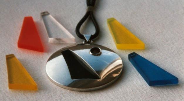 Zilver met verwisselbare perspex inlays