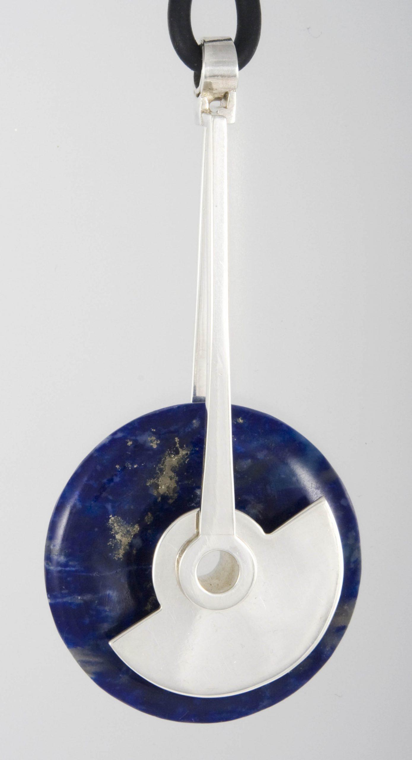 ...met lapis lazuli